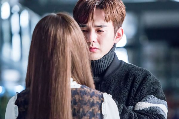 Tags: K-Drama, Yoo Seung-ho, Chae Soo-bin, Duo, Turtleneck, Collar (Clothes), Black Shirt, Couple, Looking At Another, Sweater, Crying, I'm Not a Robot