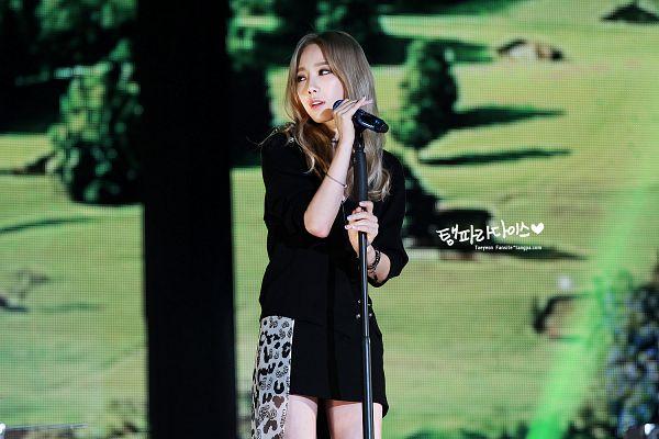 Tags: K-Pop, I (song), Kim Tae-yeon, Leopard Print, Black Jacket, Black Outerwear, Black Dress, Looking Away, Black Outfit, Wallpaper