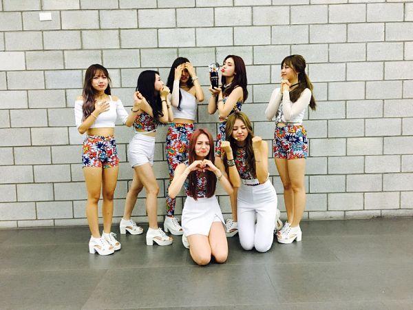 Tags: K-Pop, I.O.I, Im Nayoung, Kim Chung-ha, Doyeon, Jeon Somi, Choi Yoo-jung, Zhou Jieqiong, Kim So-hye, Trophy