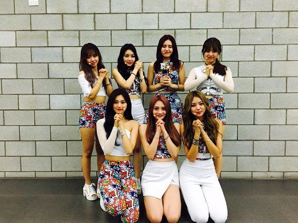 Tags: K-Pop, I.O.I, Choi Yoo-jung, Zhou Jieqiong, Kim So-hye, Im Nayoung, Kim Chung-ha, Doyeon, Jeon Somi, Trophy