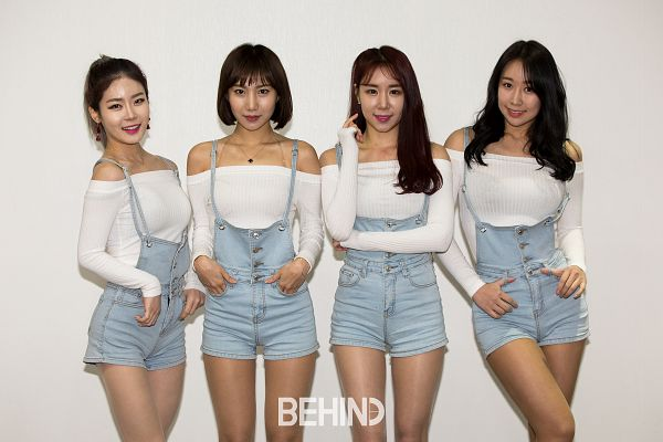 Tags: K-Pop, ICIA, Lee Ae, Coca, Nayoon, Lee Bo-ra, Light Background, Denim Outfit, White Background, Quartet, Hair Up, Four Girls