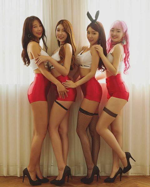 Tags: K-Pop, ICIA, Youmin (ICIA), Coca, Nayoon, Vandi, Ring, Red Lips, Bow, Fishnets, Black Footwear, Hair Ornament