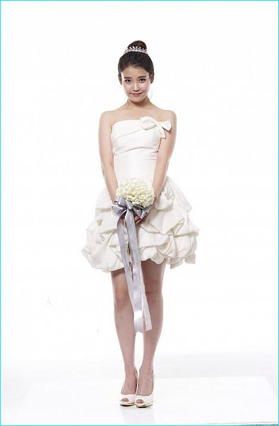 Tags: K-Pop, IU, Wedding Dress, Light Background, Bare Shoulders, High Heels, White Background, Bouquet, Flower, White Outfit, Short Dress, Full Body