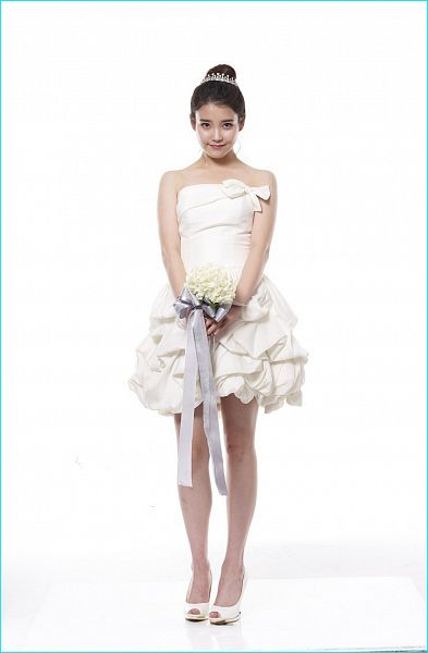 Tags: K-Pop, IU, Light Background, Bare Shoulders, Flower, White Background, Bouquet, White Outfit, Short Dress, White Dress, White Footwear, Hair Buns