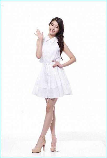 Tags: K-Pop, IU, White Dress, Bare Shoulders, Sleeveless, Single Braid, White Outfit, Hand On Hip, Sleeveless Dress, Light Background, High Heels, Braids