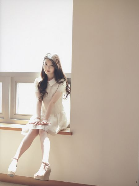 Tags: K-Pop, IU, White Outfit, White Dress, Android/iPhone Wallpaper, K-pop For Aera, Magazine Scan