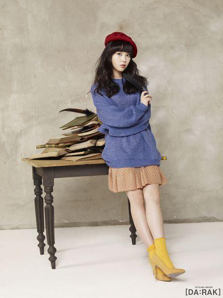 Tags: K-Pop, IU, Pen, Hat, Book, Skirt, Table, Blue Shirt, Android/iPhone Wallpaper, IU 2012 Calendar