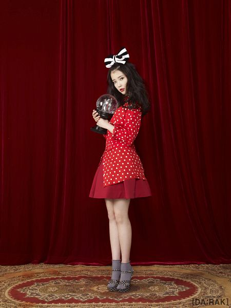 Tags: K-Pop, IU, Red Dress, Carpet, Curtain, High Heels, Android/iPhone Wallpaper, IU 2012 Calendar