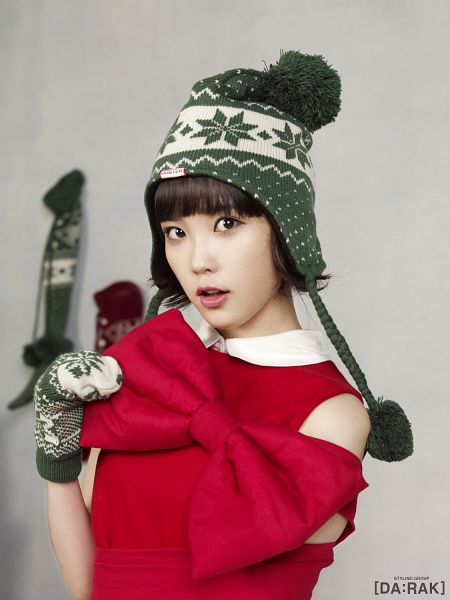 Tags: K-Pop, IU, Bow, Gloves, Red Bow, Hat, Red Dress, IU 2012 Calendar, Android/iPhone Wallpaper