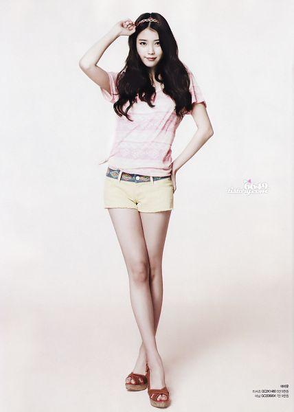 Tags: K-Pop, IU, Shorts, Pink Shirt, Short Sleeves, Android/iPhone Wallpaper, Guess