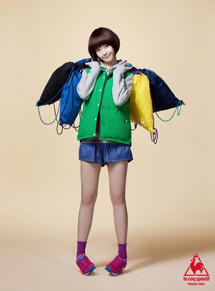 Tags: K-Pop, IU, Brown Background, Le Coq Sportif, Android/iPhone Wallpaper