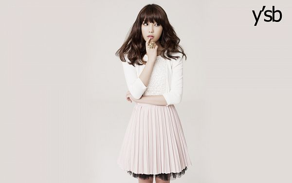 Tags: K-Pop, IU, Gray Background, Looking Away, Skirt, Crossed Arms, Pink Skirt, Ring, Ysb, Wallpaper