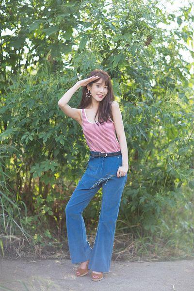 Tags: K-Pop, IU, Belt, Striped, Pants, Sleeveless Shirt, Earrings, Blue Pants, Full Body, Bare Shoulders, Sleeveless, Plant