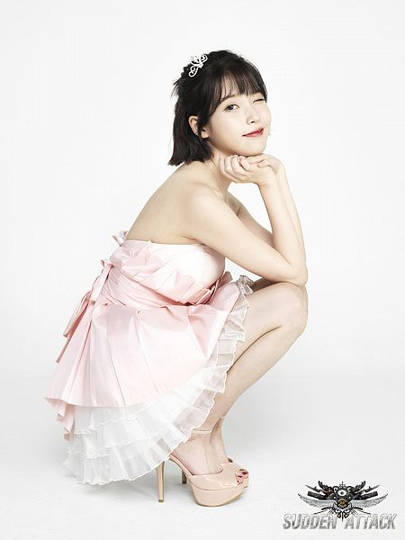Tags: K-Pop, IU, Crown, Red Lips, White Background, Necklace, Headdress, High Heels, Wink, White Outfit, White Dress, Crouching