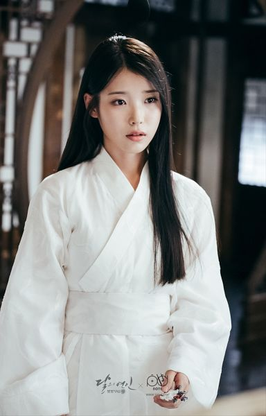 Tags: K-Pop, K-Drama, IU, White Outfit, Traditional Clothes, Korean Clothes, Android/iPhone Wallpaper, Moon Lovers: Scarlet Heart Ryeo