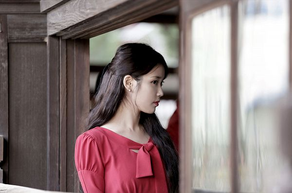 Tags: K-Pop, Through the Night, IU, Red Dress, Red Outfit, Red Lips, Palette