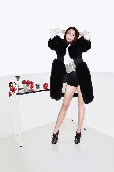 Tags: K-Pop, IU, High Heels, Black Footwear, Light Background, Black Shorts, White Background, Apple, Shorts, Grapes, Hand In Hair, Fruits