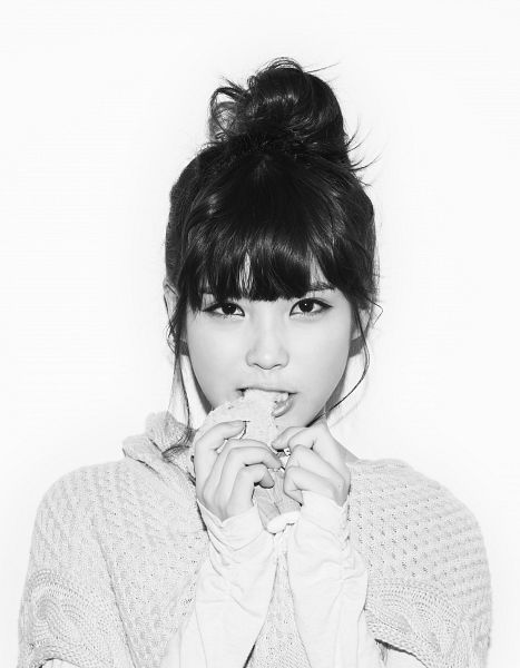 Tags: K-Pop, IU, White Background, Eating, Medium Hair, Sweater, Hair Buns, Food, Single Bun, Hair Up, Monochrome, Black Eyes