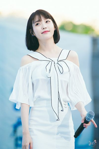 Tags: K-Pop, IU, Looking Away, Medium Hair, White Outfit, Bare Shoulders, White Dress, Looking Up, Android/iPhone Wallpaper