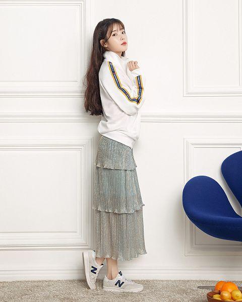 Tags: Loen Entertainment, K-Pop, IU, Sneakers, Lemon, Shoes, Red Lips, Skirt, Orange (Fruit), Chair, Serious, Fruits