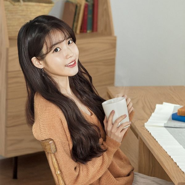 Tags: Loen Entertainment, K-Pop, IU, Book, Sweater, Sitting On Chair, Orange Shirt, Chair, Red Lips, Table, Cup, KDPharma