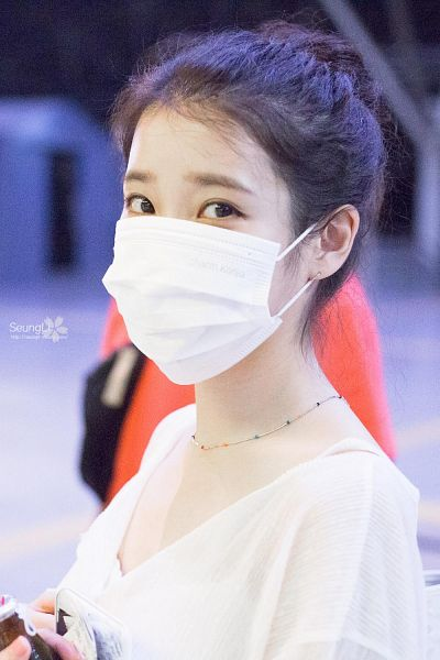 Tags: K-Pop, IU, Medium Hair, Covering Mouth, Necklace, Mask, Face Mask