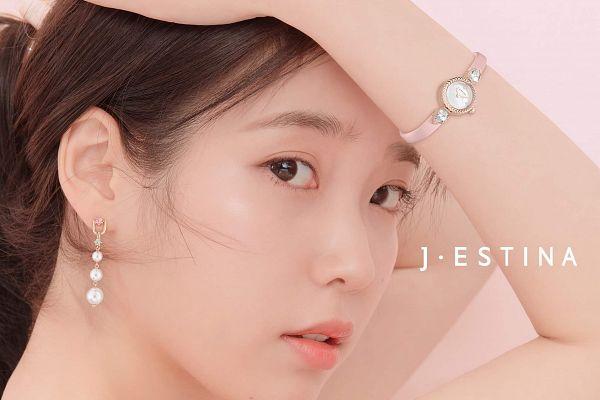 Tags: K-Pop, IU, Serious, Wristwatch, Pink Background, Watch, J.Estina