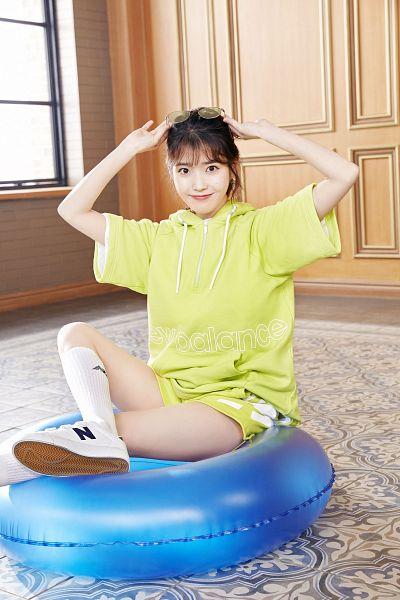 Tags: K-Pop, IU, Shoes, Sitting On Ground, Sneakers, Shorts, Glasses On Head, Hood, Glasses Off, Hoodie, Carpet, Window