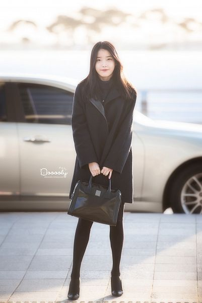 Tags: K-Pop, IU, Bag, Black Outerwear, Car