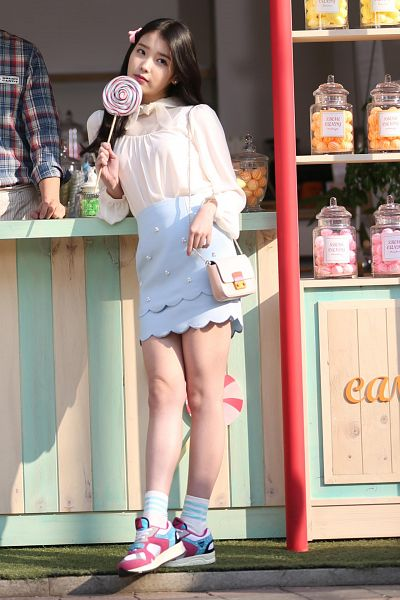 Tags: K-Pop, IU, Blue Skirt, Candy, Bag, Skirt, Sweets, Lollipop, Sbenu