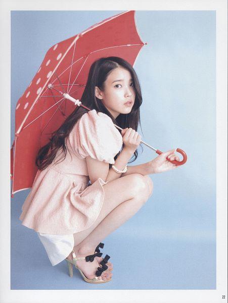 Tags: K-Pop, IU, Skirt, Crouching, Blue Background, White Border, White Skirt, Umbrella, High Heels, Bare Legs, Pink Shirt, Bracelet