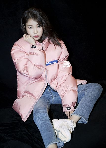 Tags: K-Pop, IU, Dark Background, Shoes, Black Background, Jeans, Pink Outerwear, Serious, Pink Jacket, Sneakers, New Balance