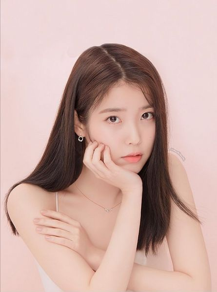 Tags: K-Pop, IU, Pink Background, Necklace, Hand On Head, Serious, Hand On Cheek, J.Estina