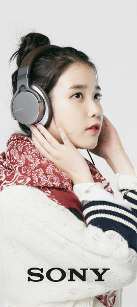 Tags: K-Pop, IU, Headphones, Scarf, Hair Buns, Gray Background, Hair Up, Single Bun, Sony