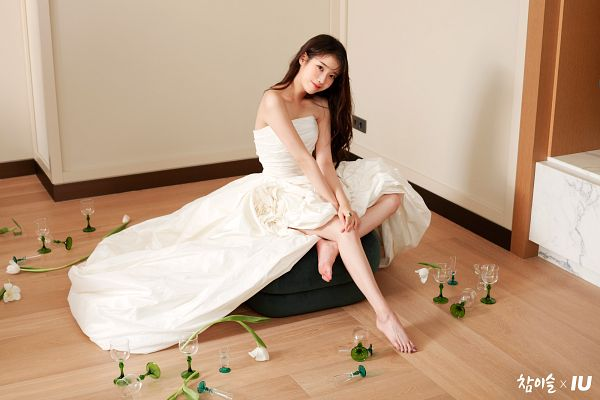 Tags: K-Pop, IU, Barefoot, Cup, White Dress, Glass (Cup), White Outfit, Bare Shoulders, Chamisul