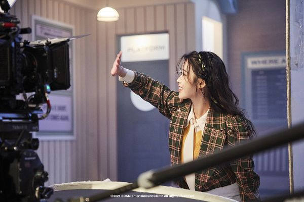 Tags: K-Pop, IU, Side View, Checkered, Wave, Checkered Jacket, Lilac