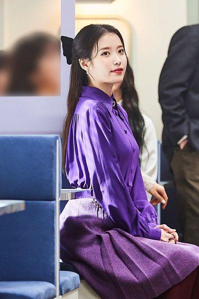 Tags: K-Pop, IU, Black Bow, Purple Skirt, Hair Bow, Skirt, Hair Ornament, Red Lips, Purple Shirt, Bow, Lilac