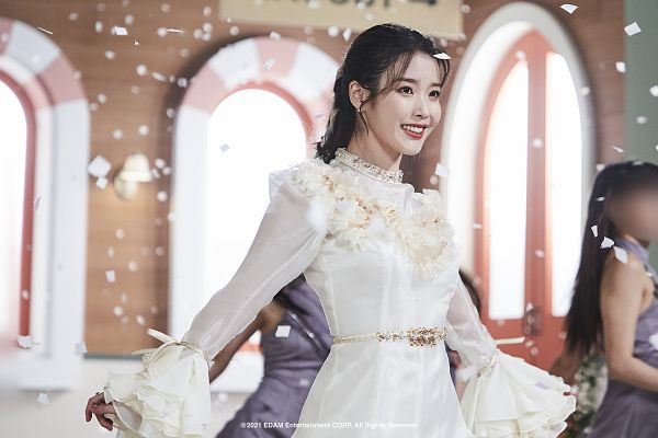Tags: K-Pop, IU, White Dress, Red Lips, Confetti, White Outfit, Wallpaper, Lilac, HD Wallpaper