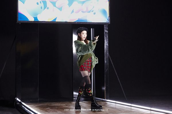 Tags: K-Pop, Coin (IU), IU, Skirt, Boots, Shoes, Hat