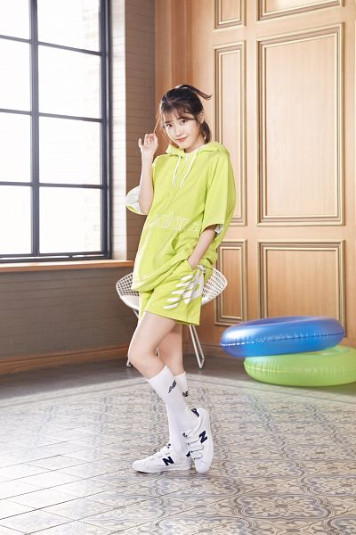 Tags: K-Pop, IU, Green Shorts, Hand In Pocket, Green Shirt, Socks, Shorts, Window, New Balance