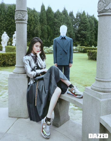 Tags: K-Pop, IU, Shoes, Serious, Column, Suit, Gray Skirt, Statue, Skirt, Gray Shirt, Sneakers, Hand On Head