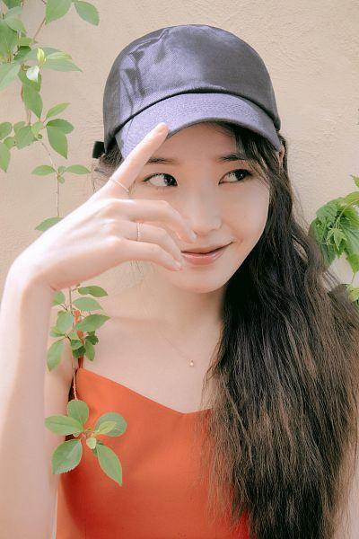 Tags: K-Pop, IU, Ring, Bare Shoulders, Looking Away, Orange Shirt, Sleeveless, Necklace, Sleeveless Shirt, Hat, J.Estina