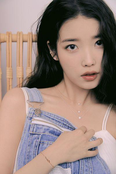 Tags: K-Pop, IU, Denim Outfit, Necklace, Overalls, J.Estina
