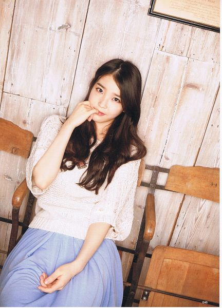 Tags: K-Pop, IU, Skirt, Chair, Finger To Lips, Sitting On Chair, Blue Skirt, Android/iPhone Wallpaper, Odina, Magazine Scan
