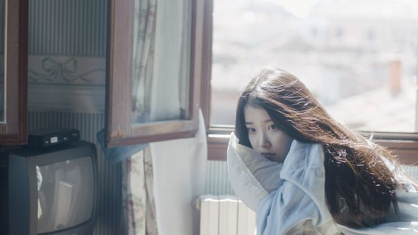 Tags: K-Pop, IU, Television, Looking Ahead, White Outfit, Pillow, White Dress, Window, Wallpaper, HD Wallpaper, Spring of a Twenty Year Old