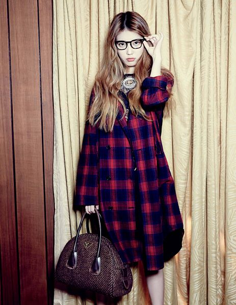 Tags: K-Pop, IU, Checkered, Checkered Dress, Bag, Glasses, Brown Background, Red Outfit, Bare Legs, Red Dress, Elle Korea, Magazine Scan