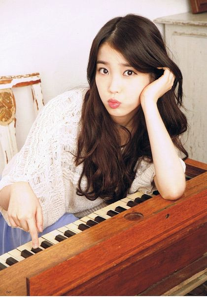 Tags: K-Pop, IU, Hand In Hair, Blue Skirt, Skirt, Piano, Android/iPhone Wallpaper, Odina, Magazine Scan