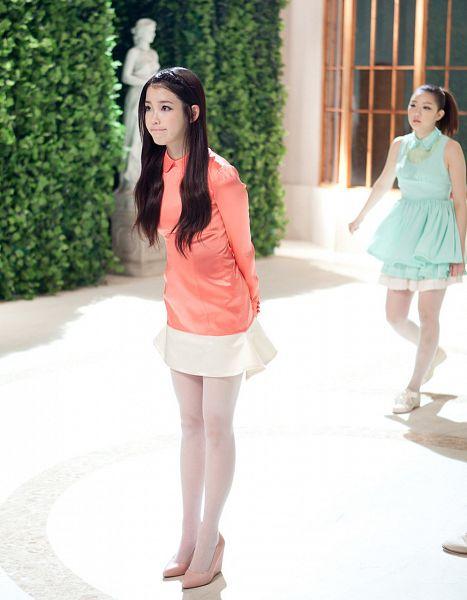 Tags: K-Pop, Good Day, IU, Full Body, Orange Shirt, White Skirt, Android/iPhone Wallpaper
