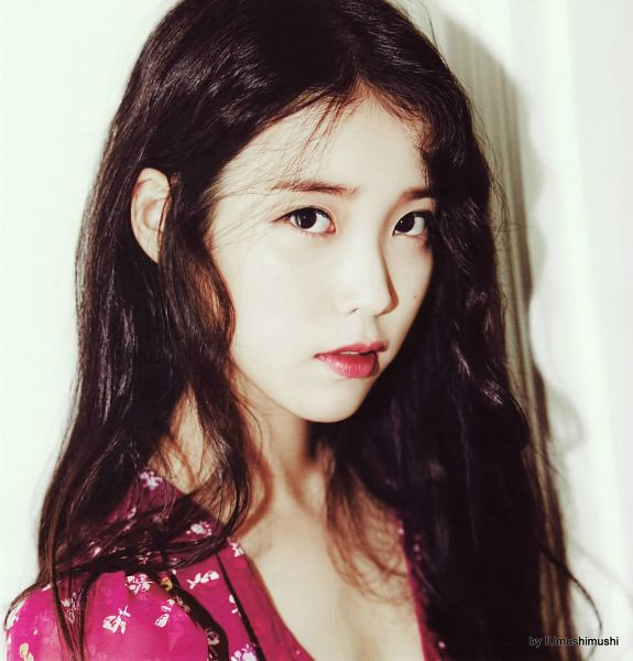 Tags: K-Pop, IU, Facial Mark, Mole, Pink Dress, Pink Outfit, Red Lips, IU 2016 Calendar