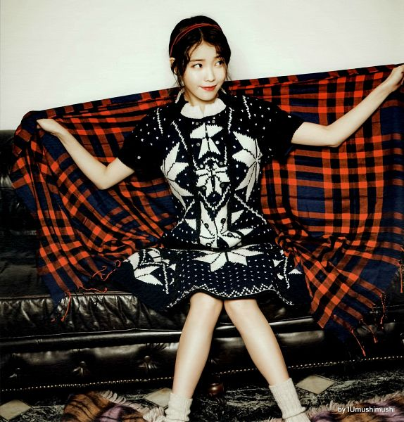 Tags: K-Pop, IU, Plaided Print, Couch, Red Lips, Sitting On Couch, IU 2016 Calendar